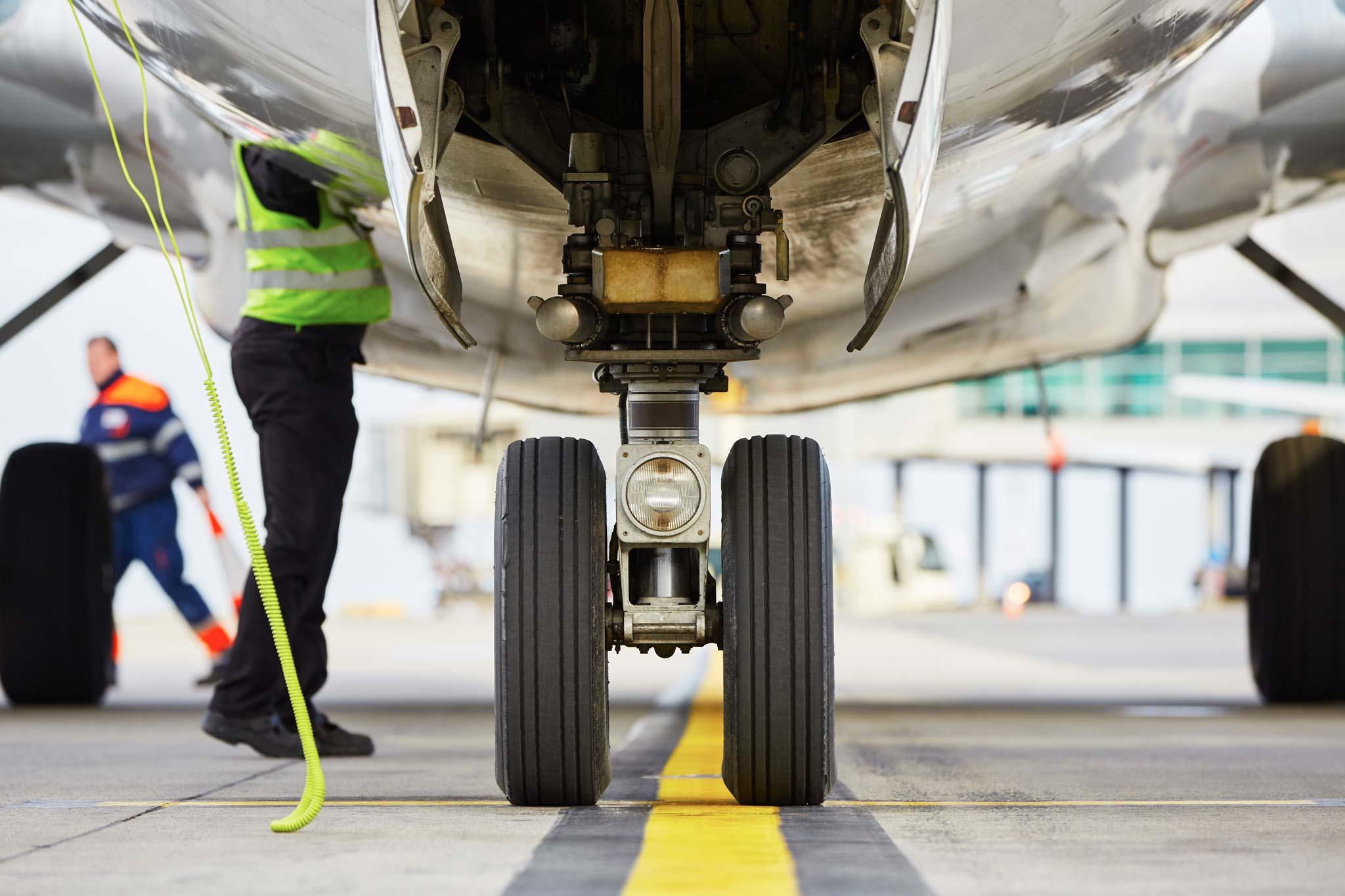 Plane-Runway-Lines